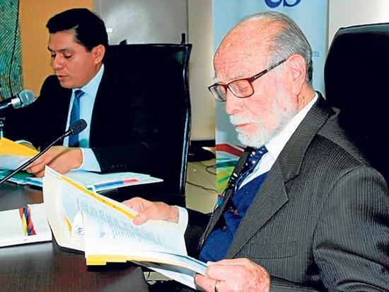 Comisión analiza futuro del CPCCS