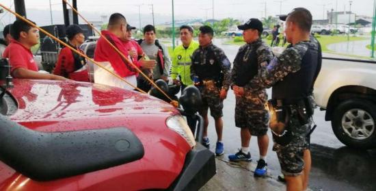 Grupos especializados reanudan búsqueda de español desaparecido en Ecuador