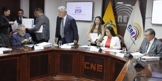 El 14 de abril se repetirán las elecciones en 14 recintos electorales de seis provincias de Ecuador