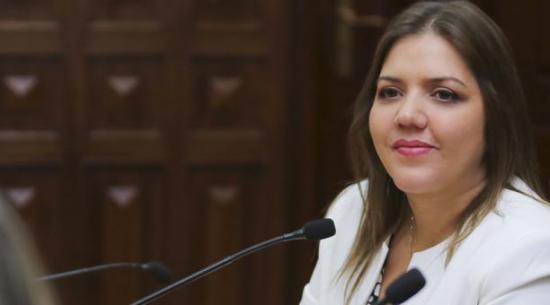 Universidad de Guayaquil declara falsedad del título de María Alejandra Vicuña