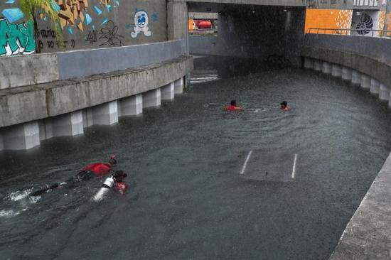 Sube a 5 el número de muertos por temporal en Río de Janeiro