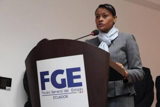 Fiscal Diana Salazar promete reestructuración ante su personal