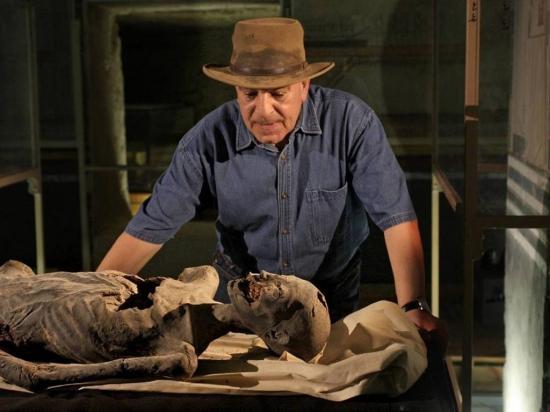Hallan momia de 2.500 años