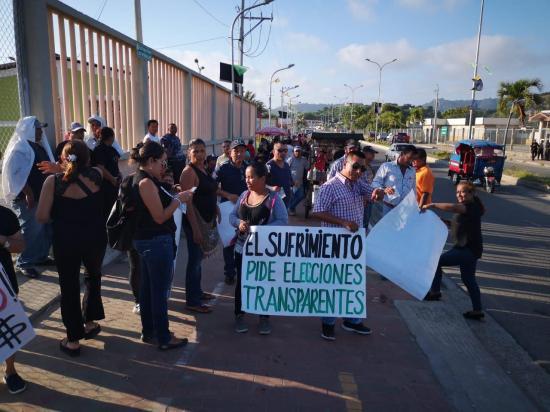 Ciudadanos piden elecciones totales en San Vicente