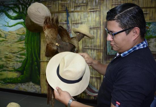 Artesanías, libros, cuentos y leyendas por el Día del Patrimonio