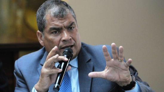 Rafael Correa tilda de 'traidor más grande' a Lenín Moreno tras retiro de asilo a Assange