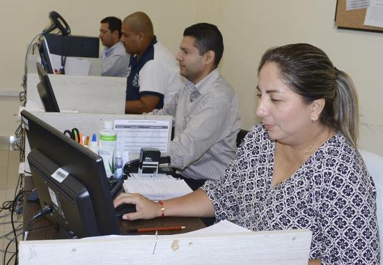 Agustín Casanova anuncia la reducción de personal en el municipio