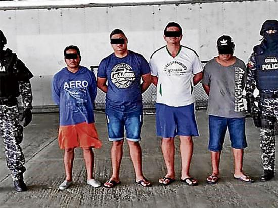 Manta: 4 pescadores fueron detenidos por lanzar droga en el mar
