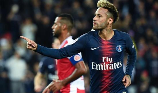 Neymar no quiere abandonar el PSG, asegura su padre