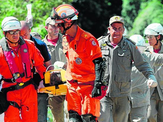 Cinco muertos por derrumbe de edificios en Río de Janeiro