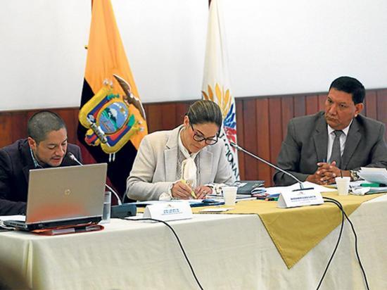 Comisión evita censurar a Cabezas por falta de pruebas