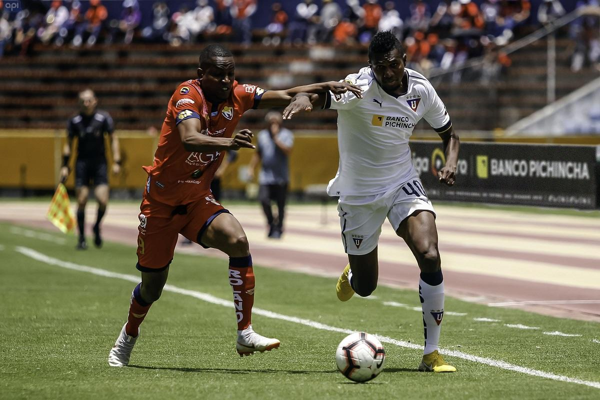 El Nacional y Liga de Quito empatan 2-2 en el estadio Olímpico Atahualpa