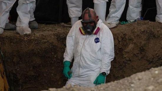 Encuentran restos de al menos 39 cuerpos en 20 fosas clandestinas en México