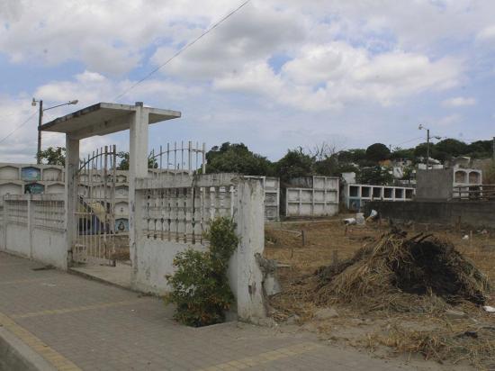 Desisten de vender área de terreno del cementerio general
