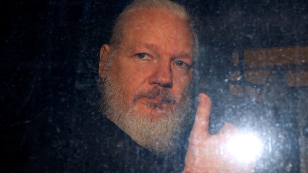 Lenín Moreno: Assange intentó usar la embajada en Londres como centro de espionaje