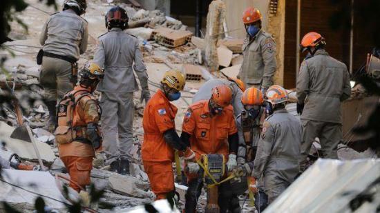 Desplome de dos edificios en Río de Janeiro deja 15 personas fallecidas