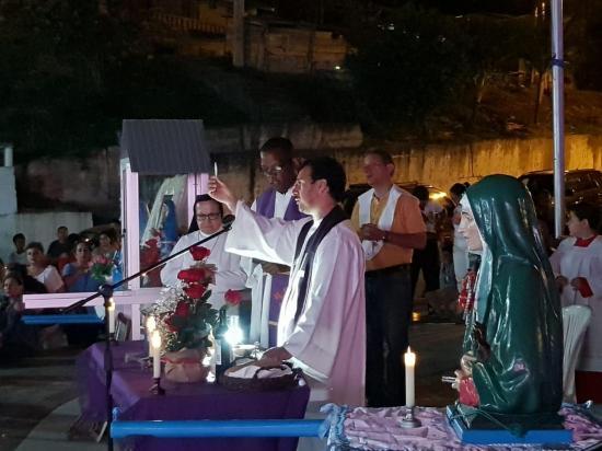 En Sucre y San Vicente recuerdan a víctimas del terremoto con varios actos
