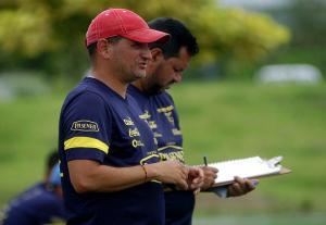 Luigi Pescarolo es separado de la Selección femenina de fútbol tras denuncia de acoso sexual