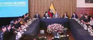 Prefectos electos se reúnen con el presidente Lenín Moreno en Carondelet