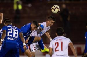 Copa Libertadores: Emelec elimina a Huracán tras vencer de visita 2-1