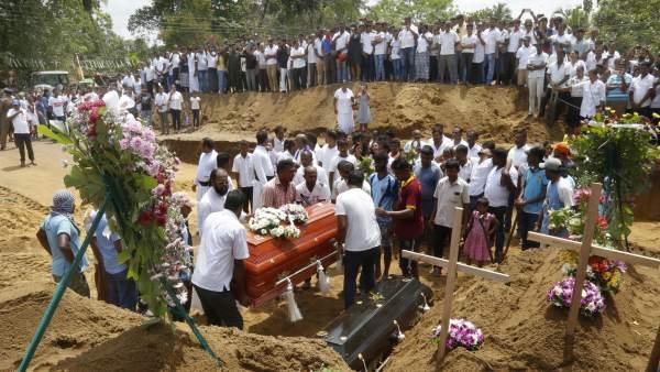 Muertos en Sri Lanka suben a 359 y autoridades sigue alerta a 'más ataques'