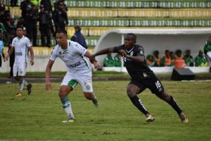 Liga de Portoviejo cae por 4-0 en el partido de ida ante el América de Quito
