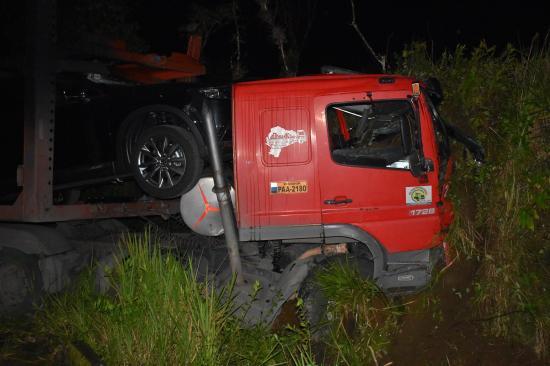 Policia muere en la vía a Las Mercedes