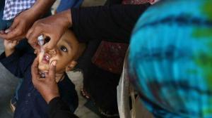 Asesinan a tiros a una vacunadora contra la polio en Pakistán