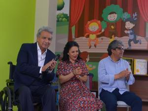 Uniformes y colación se no será para todos los escolares fiscales, informó Lenín Moreno