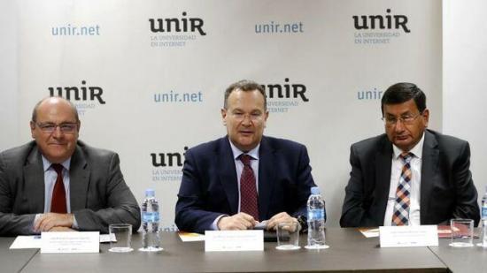 Un convenio dará acceso online a la UNIR a 1.500 universitarios de Ecuador