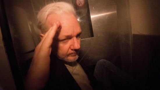 Suecia reabre caso por violación contra Assange dos años después de cerrarlo