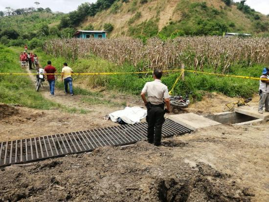 Hombre es asesinado de varios disparos, en Chone