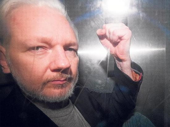 Assange sigue bajo la lupa