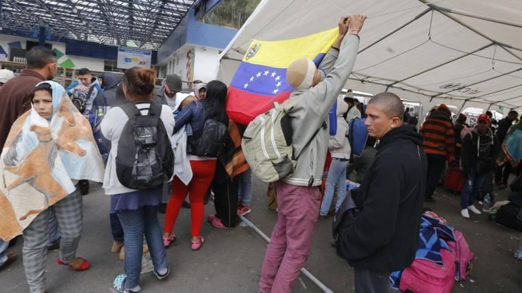 Coordinador de OEA recabará información de migrantes venezolanos en Ecuador
