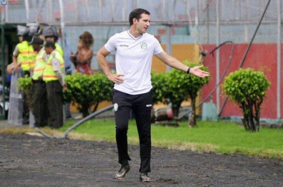 Francisco Correa renunció a su cargo como Director Técnico de América de Quito