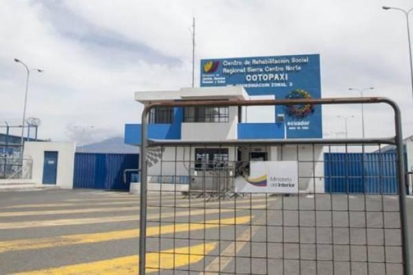 Militares vigilan exteriores de cárceles del país por creciente inseguridad