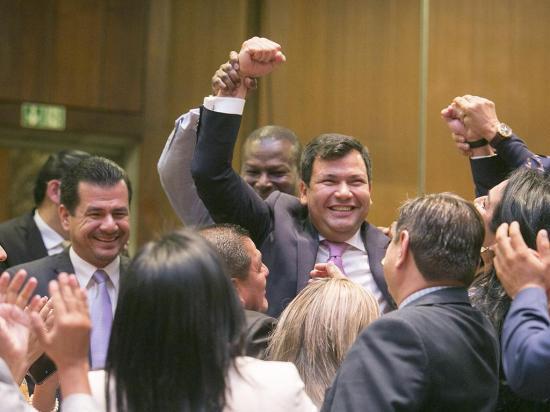 CREO, BIN, PAiS Y PSC  lideran la asamblea