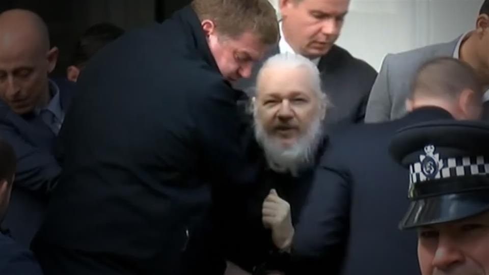 Ecuador descarta relación entre acuerdo con Londres y fin del asilo a Assange