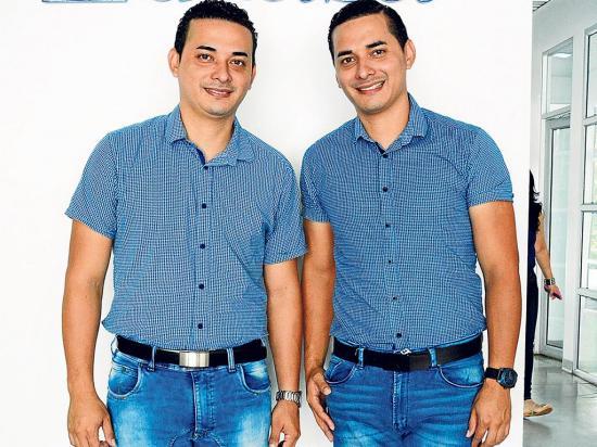 'Los gemelos'  se proyectan