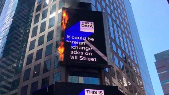 Sofocan fuego en pantalla de Times Square en Nueva York que no dejó heridos