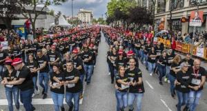 En España, mil personas baten récord Guinness por bailar bachata