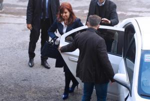 Comienza primer juicio por corrupción contra Cristina Fernández en Argentina