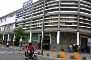 31 propuestas para el edificio de BanEcuador en Portoviejo