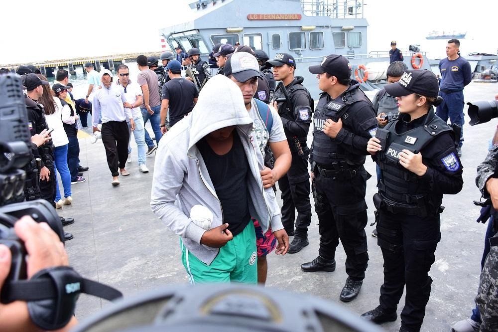 Arribaron al puerto de Manta los 23 pescadores detenidos frente a las costas de Mazatlán, México