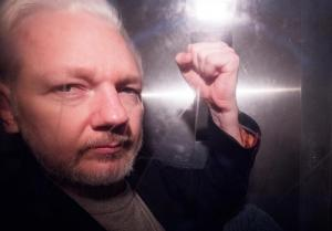 EEUU presenta 18 nuevos cargos contra Assange, entre ellos uno por espionaje