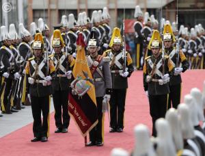 Honores militares y ofrendas recuerdan la Batalla del Pichincha