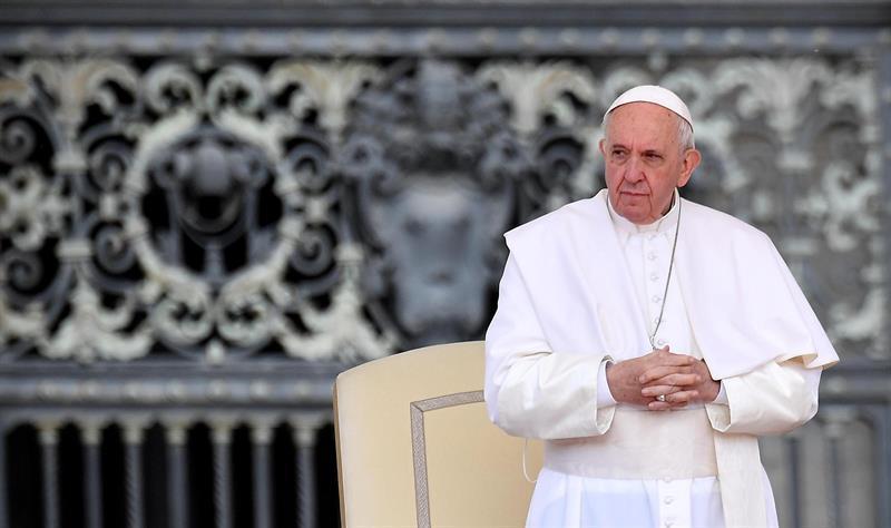 El papa critica el 'diagnóstico prenatal' y dice que el aborto no es la solución