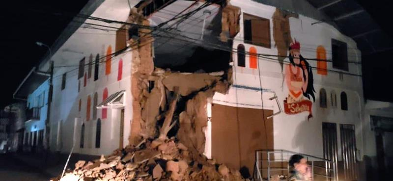 Al menos un muerto y once heridos en Perú tras fuerte sismo