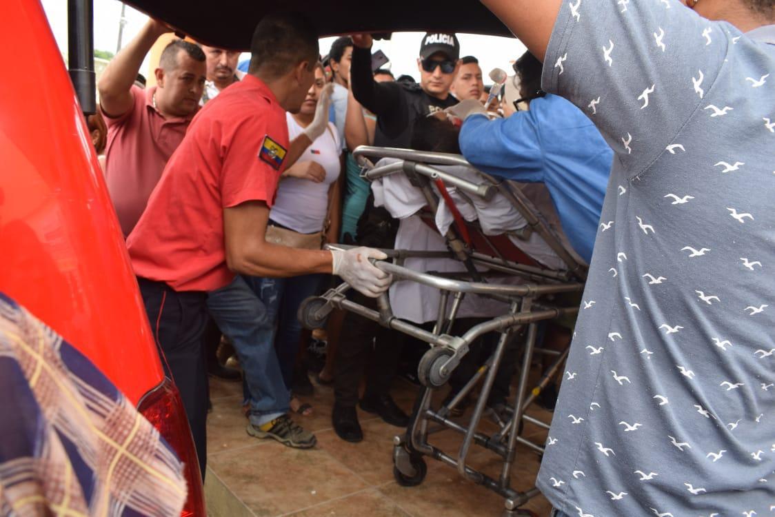 Hieren de tres disparos a un hombre en El Carmen