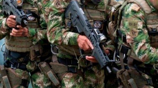 Al menos dos soldados mueren y ocho resultan heridos en emboscada en Colombia